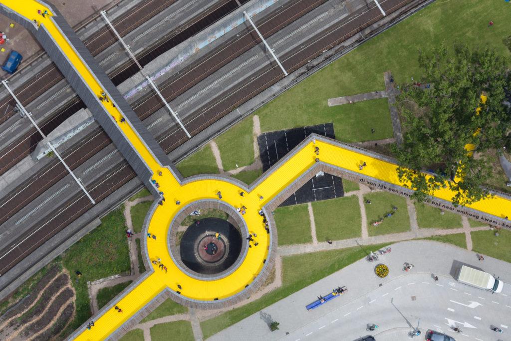 1_Luchtsingel_Top_Roundabout_ZUS_©_Ossip_van_Duivenbode
